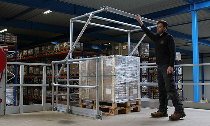 Mezzanine gates for warehouses